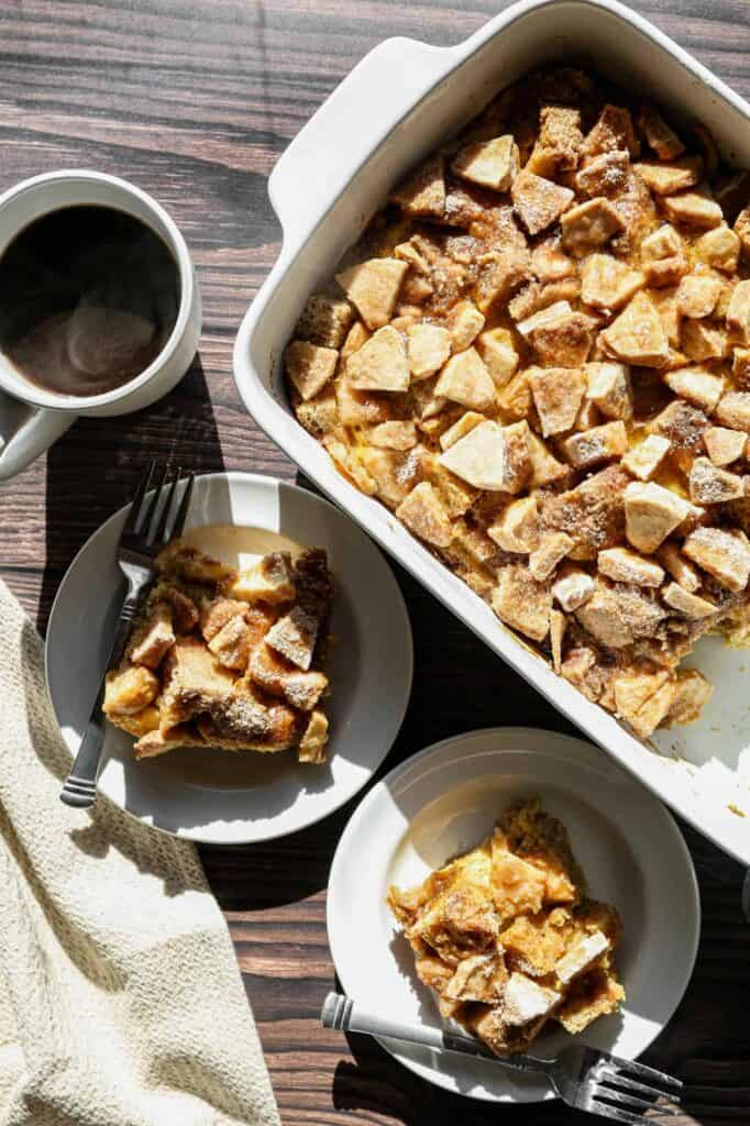 one of my favorite gluten free fall recipes is the gluten free apple cinnamon french toast casserole